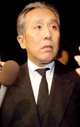 胃がんで死去した中村獅童の実父・小川三喜雄さんの通夜に参列した中村勘三郎