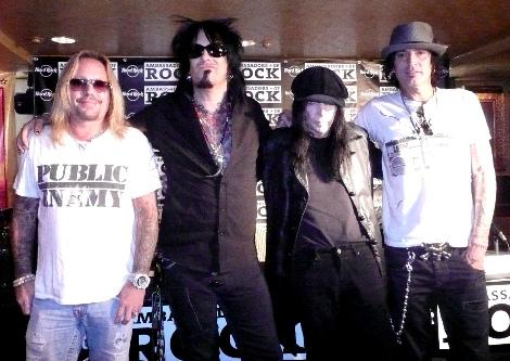 オリジナルメンバーで来日したモgリー・クルー(左からヴィンス・ニール、ニッキー・シックス、ミック・マーズ、トミー・リー)