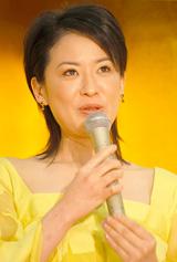 連続テレビ小説『だんだん』に出演する鈴木砂羽