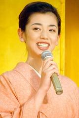 連続テレビ小説『だんだん』に出演する京野ことみ