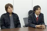 インタビューを受ける中川あつおさんと宮崎大輔選手