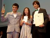 映画『トルパン』に出演した(左から)アスハット・クチンチレコフ、サマル・エスリャーモヴァ、セルゲイ・ドヴォルツェヴォイ監督