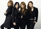 オリジナルメンバーで再始動するMAX(左から、Lina、Mina、Reina、Nana)