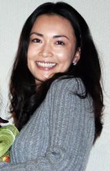 (写真左より)河瀬直美監督、長谷川京子=主演映画『七夜待』初日舞台あいさつ