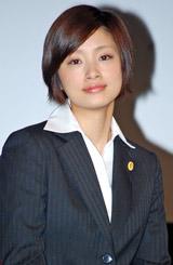 日本テレビ系の新ドラマ『ホカベン』の制作発表会見に出席した上戸彩