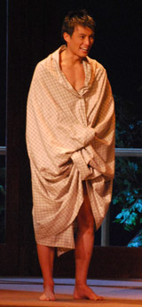 舞台『華々しき一族』の公開舞台稽古を行った徳重聡
