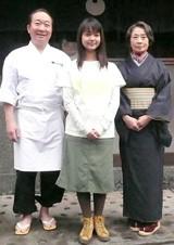 (左から)父・竹雄役の中村梅雀、ヒロイン・玉木つばさ役の多部、祖母・千代役の吉行和子