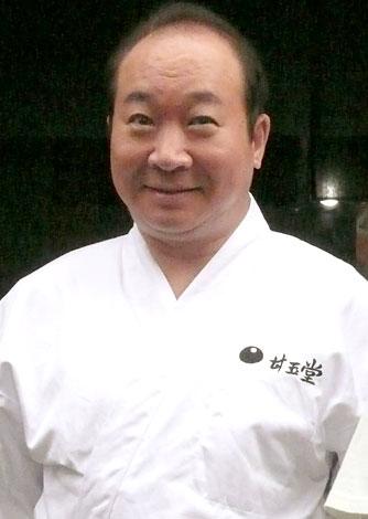 父・竹雄役の中村梅雀