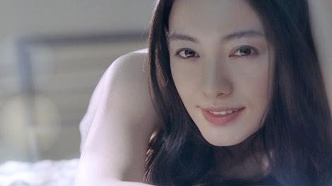 サムネイル 電動歯ブラシ『Doltz』の新CMでこぼれる笑顔を披露している仲間由紀恵