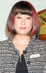 NHKショートストーリー集「祝女」の取材会に出席した友近