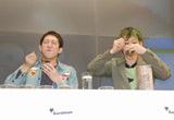 """7年ぶりの国内""""凱旋""""フードバトルを行った小林尊(右)とサバンナ・高橋茂雄"""