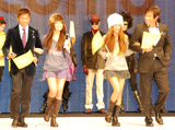 「4 Colors The BRAND NEW COLLECTION」にゲストとして出席し、美女をエスコートした宮本和知と荻原次晴