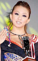 3年連続受賞でネイルクイーン殿堂入りを果たした倖田來未