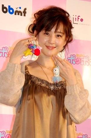 サムネイル 結婚後初めて公けの場に登場した相田翔子