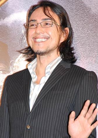 舞台『SUPER MONKEY』の製作発表記者会見に出席した石坂勇