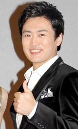 NHK時代劇スペシャル『母恋ひの記』の記者会見に出席した劇団ひとり