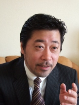 同アルバムを監修しているジャーナリスト・弓狩匡純氏