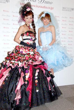 「シェーナ・ドゥーノ」ウェディングドレス新作コレクションにモデルとして登場した神田うのと木下優樹菜