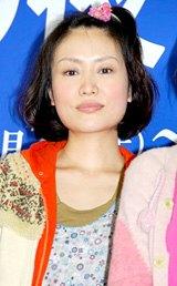 舞台「その夜明け、嘘。」の制作発表に出席した吉本菜穂子