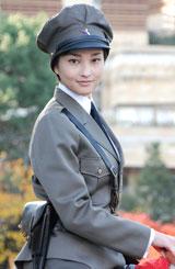 主演ドラマ『男装の麗人〜川島芳子の生涯〜』の会見に出席した黒木メイサ
