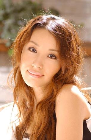 サムネイル FAXで改めて結婚を報告した鈴木紗理奈