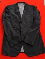 長谷川理恵にプレゼントされた黒のスーツ