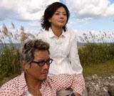 17年ぶりに夫婦共演する豊川悦司と薬師丸ひろ子