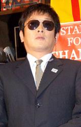 ノッチ(オバマ)のSPに扮した相方の安田和博