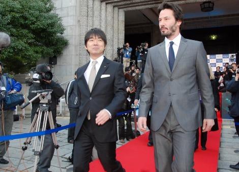 大阪府庁を表敬訪問したキアヌ・リーブス