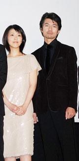 (左から)松たか子、仲村トオル
