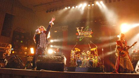 9月に行われた『Visual Olympic 2008 野音』でのヴェルサイユ[東京・日比谷野外音楽堂]