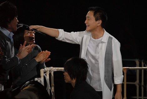 全国ツアーで新曲を披露した小田和正