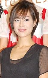 ファッションイベント『東京コレクション』のデモンストレーションとしてステージを歩いた堂珍敦子
