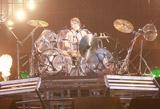 YOSHIKIの魂のこもったドラム演奏