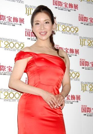 サムネイル 『第20回 日本ジュエリーベストドレッサー賞』を受賞し表彰式に出席した真矢みき