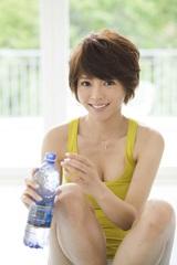 釈由美子が美しいボディを披露した『釈ビューティ!』(2月5日発売)