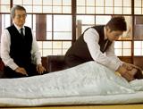 外国語映画賞部門5作品にノミネートされた『おくりびと』(松竹)