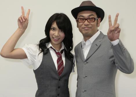 「Livejack Vol.3」で司会を務める秋元才加と中島ヒロト