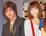 テレビ生番組出演中に城田優との交際について話した安田美沙子(右)