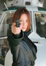 ハードなアクションもここなす米倉涼子。