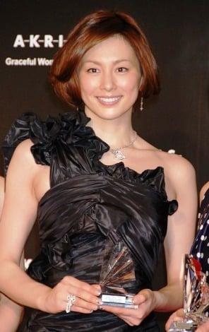 """サムネイル """"気品漂う女性有名人""""に選出された米倉涼子"""