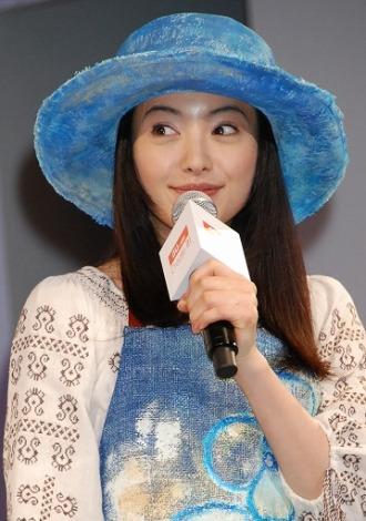 KDDI新商品発表会にゲストとして出席した仲間由紀恵