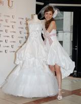 「ミニのウェディングドレスをつくりたかった」という願いが叶ったセパレートタイプのドレス