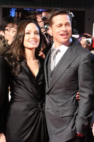 アンジェリーナ・ジョリー(左)とブラッド・ピット