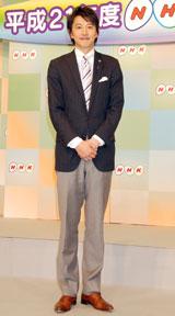 2009年新キャスター発表会見に出席した青井実