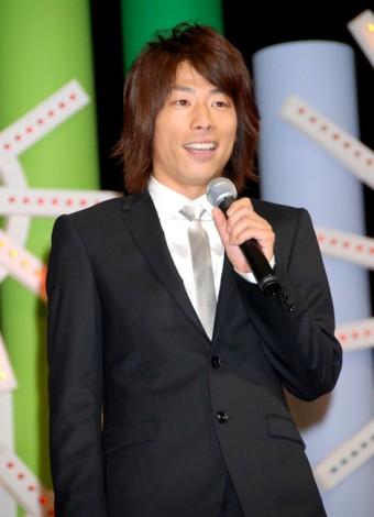 サムネイル 結婚には意外な(!?)障害があることを明かしたロンドンブーツ1号2号・田村淳