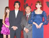 映画『レッドクリフ Part II』の完成披露イベントに出席した、(左から)alan、金城武、ジョン・ウー監督、リン・チーリン