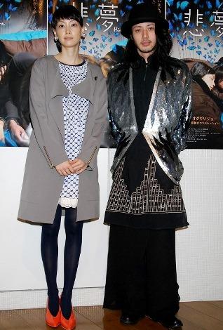韓国女優イ・ナヨンとオダギリジョー=映画『悲夢』の初日舞台あいさつ