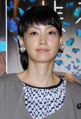 韓国女優イ・ナヨン=映画『悲夢』の初日舞台あいさつ