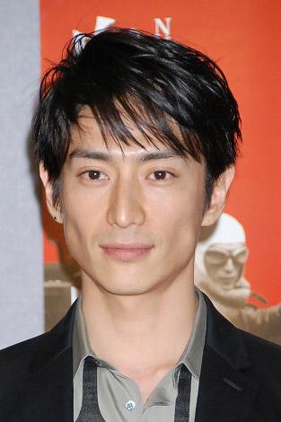 昭和史を駆け抜けた「日本一カッコいい男」白洲次郎を演じる伊勢谷友介